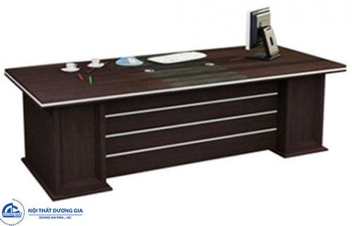 Lựa chọn và bố trí bàn văn phòng hợp tuổi tác, cung mệnh cho người sinh năm 1972
