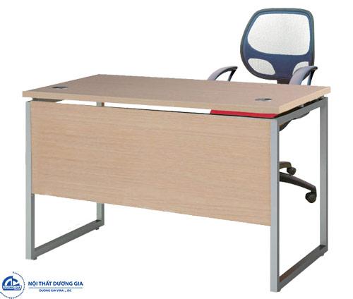 Mẫu bàn làm việc văn phòng bằng gỗ HR120C2