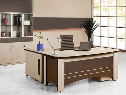 Hóa giải hướng bàn làm việc xấu giúp tăng hiệu suất công việc