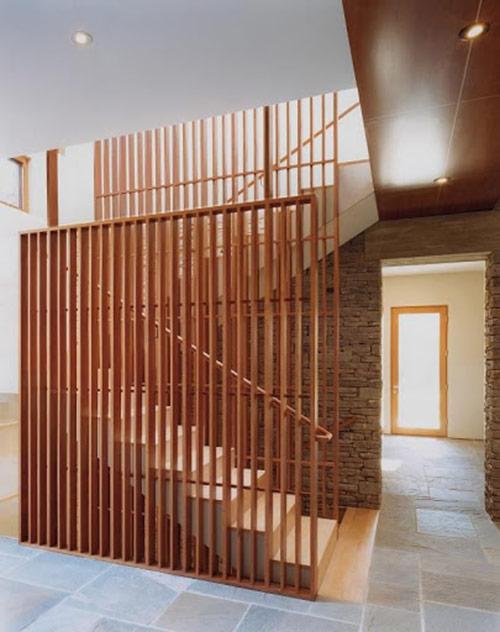 Thi công vách ngăn cầu thang bằng gỗ giá rẻ