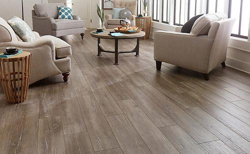 Dùng sàn gỗ