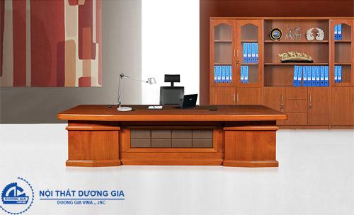 Chọn bàn Giám đốc kích thước cân đối với các sản phẩm khác