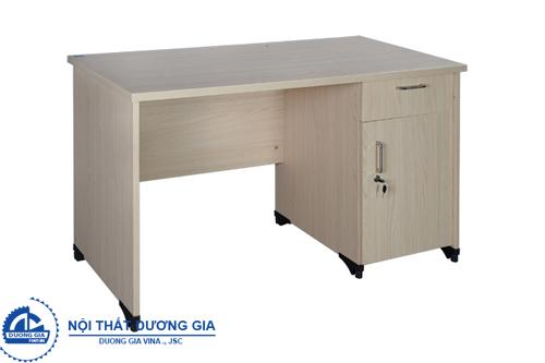 Những ưu điểm của bàn văn phòng gỗ công nghiệp